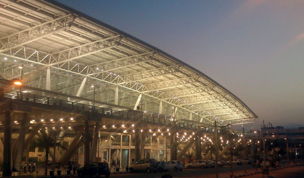 French Journalist Francois Gautier has lashed out at the negligence shown in maintaining the Chennai International Airport.