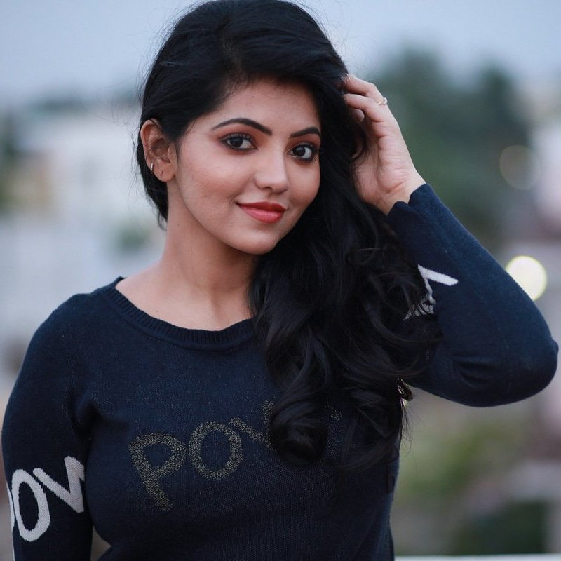 Athulya latest still