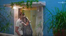 Iravukku Aayiram Kangal lyrical video