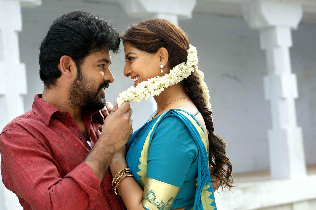 Actors Vemal, and Varalaxmi Sarathkumar starrer Kannirasi movie stills