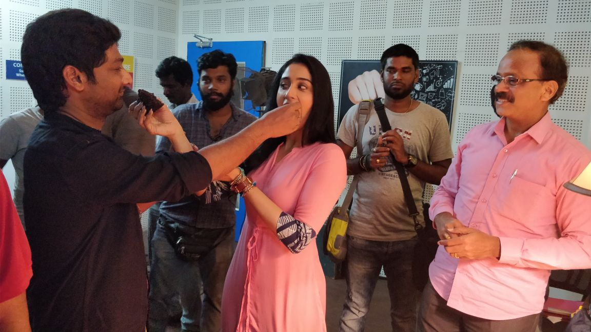 Regina Cassandra completes shooting talkie portions for Mr Chandramouli