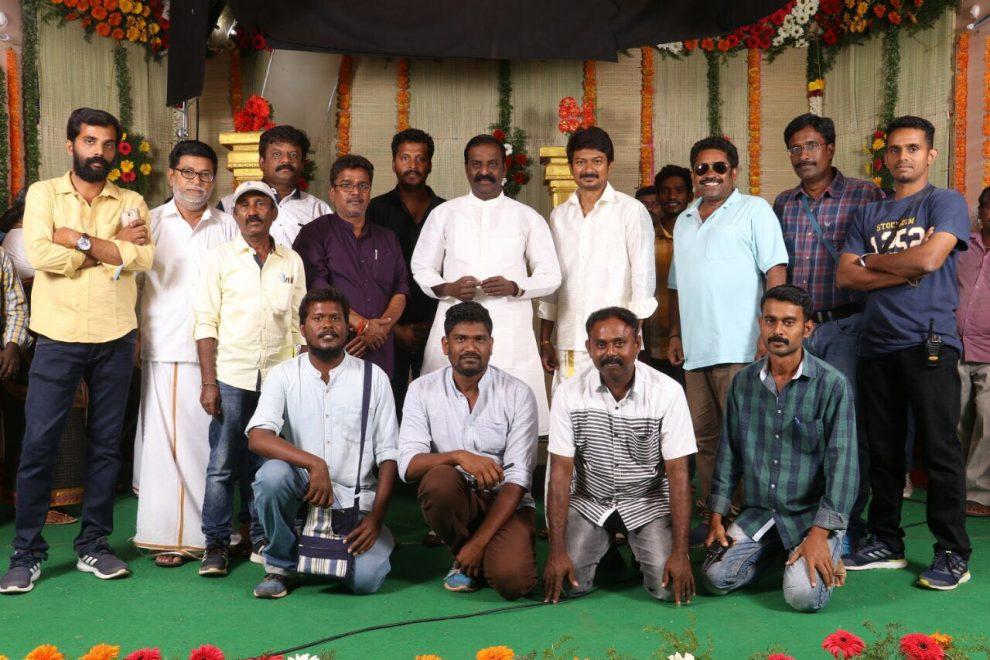 Vairamuthu visits the sets of Kanne Kalaimaane