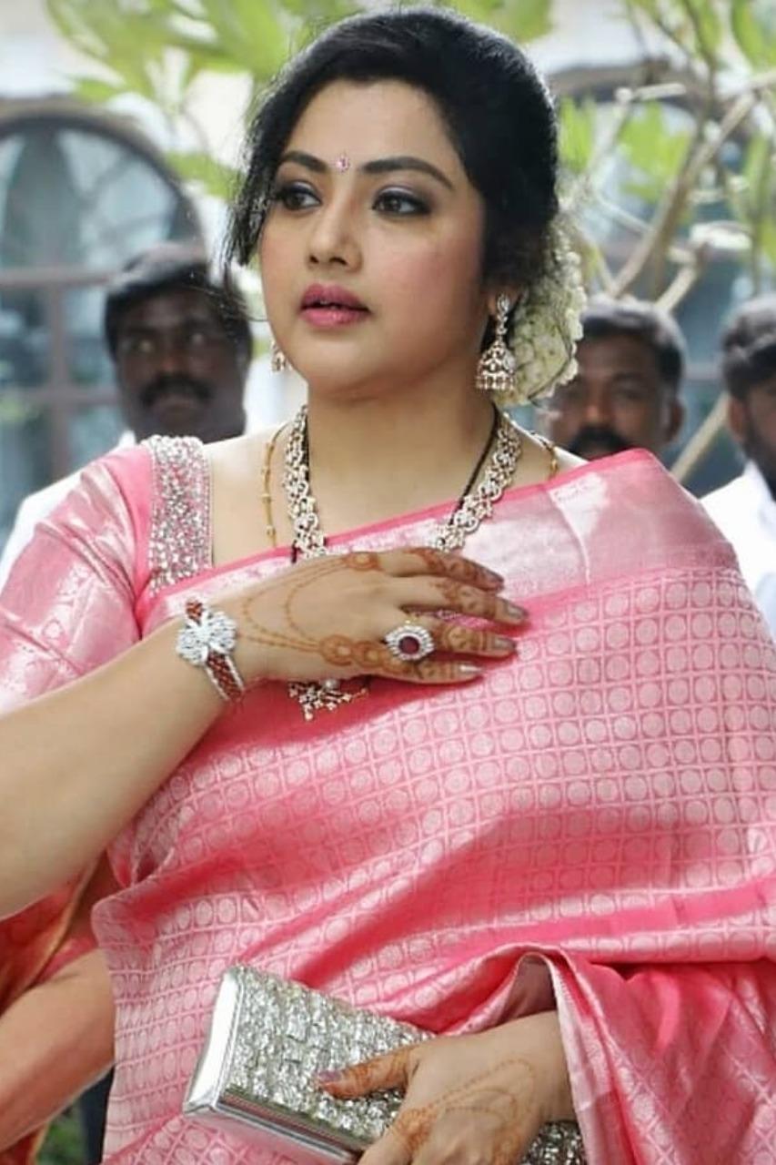 Actress Meena- Photo Gallery - Suryan FM