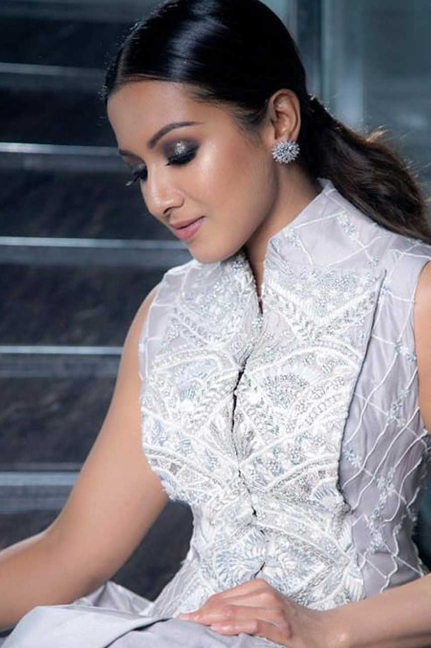 Catherine Tresa Photos 1