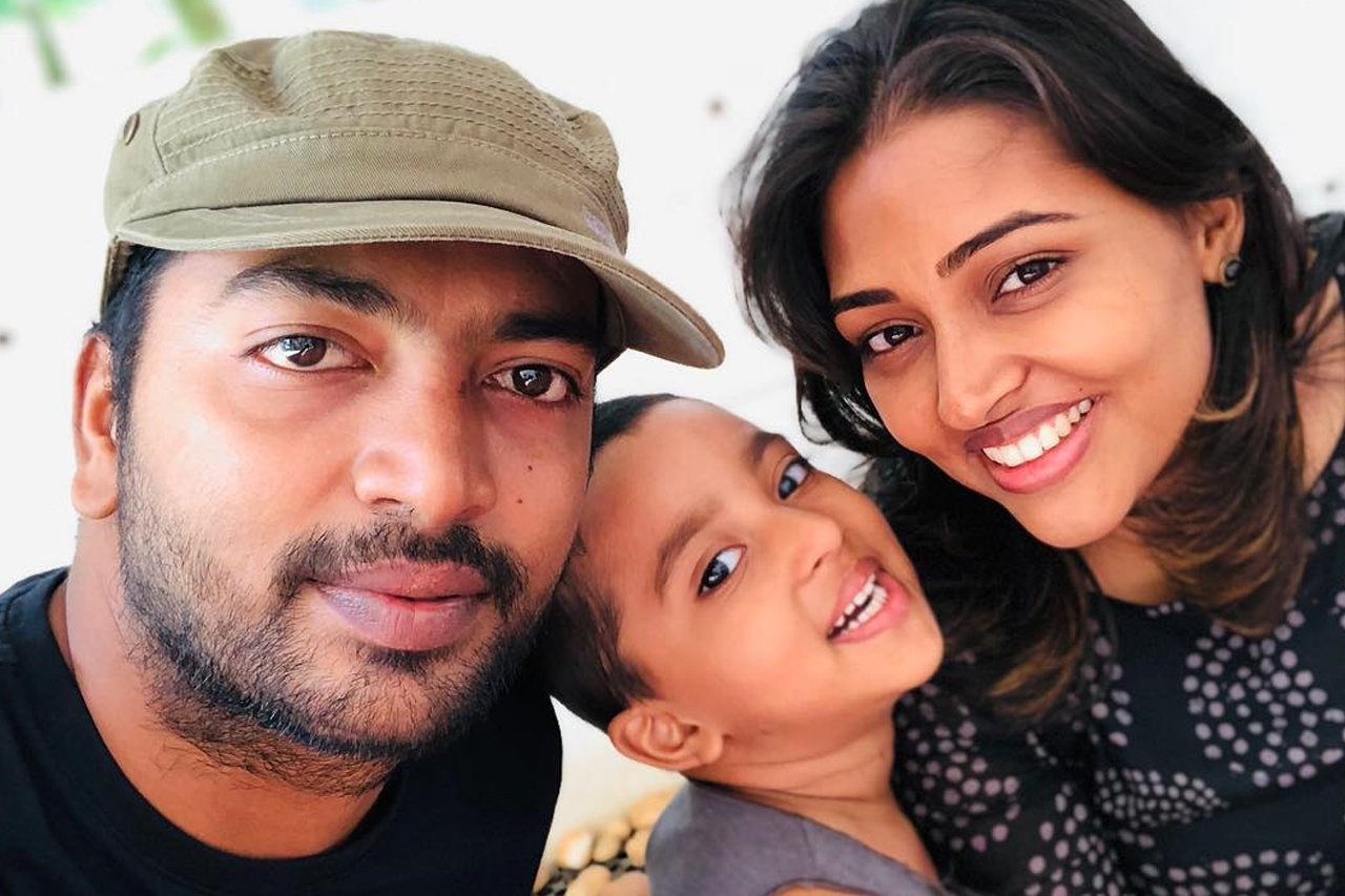 Kalaiarasan and family