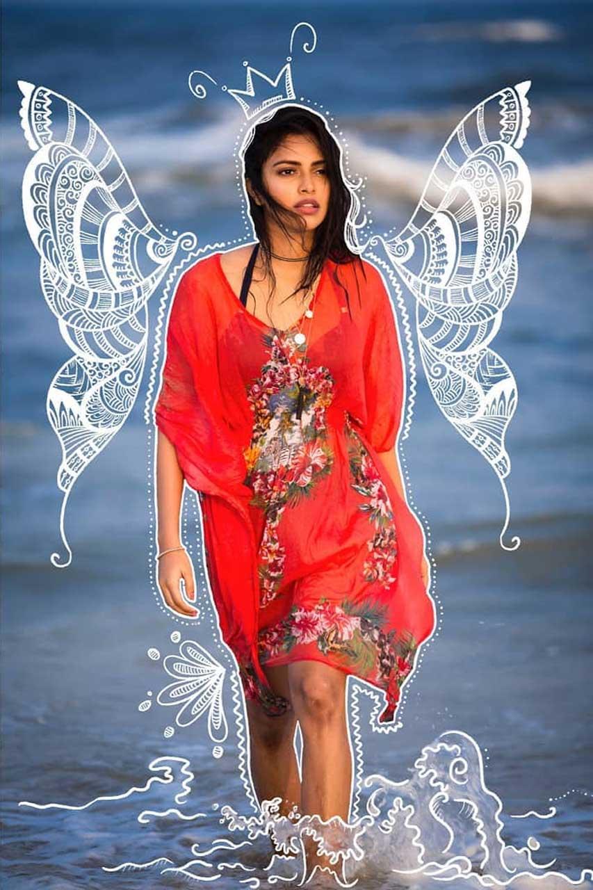 Amala Paul Latest Stills
