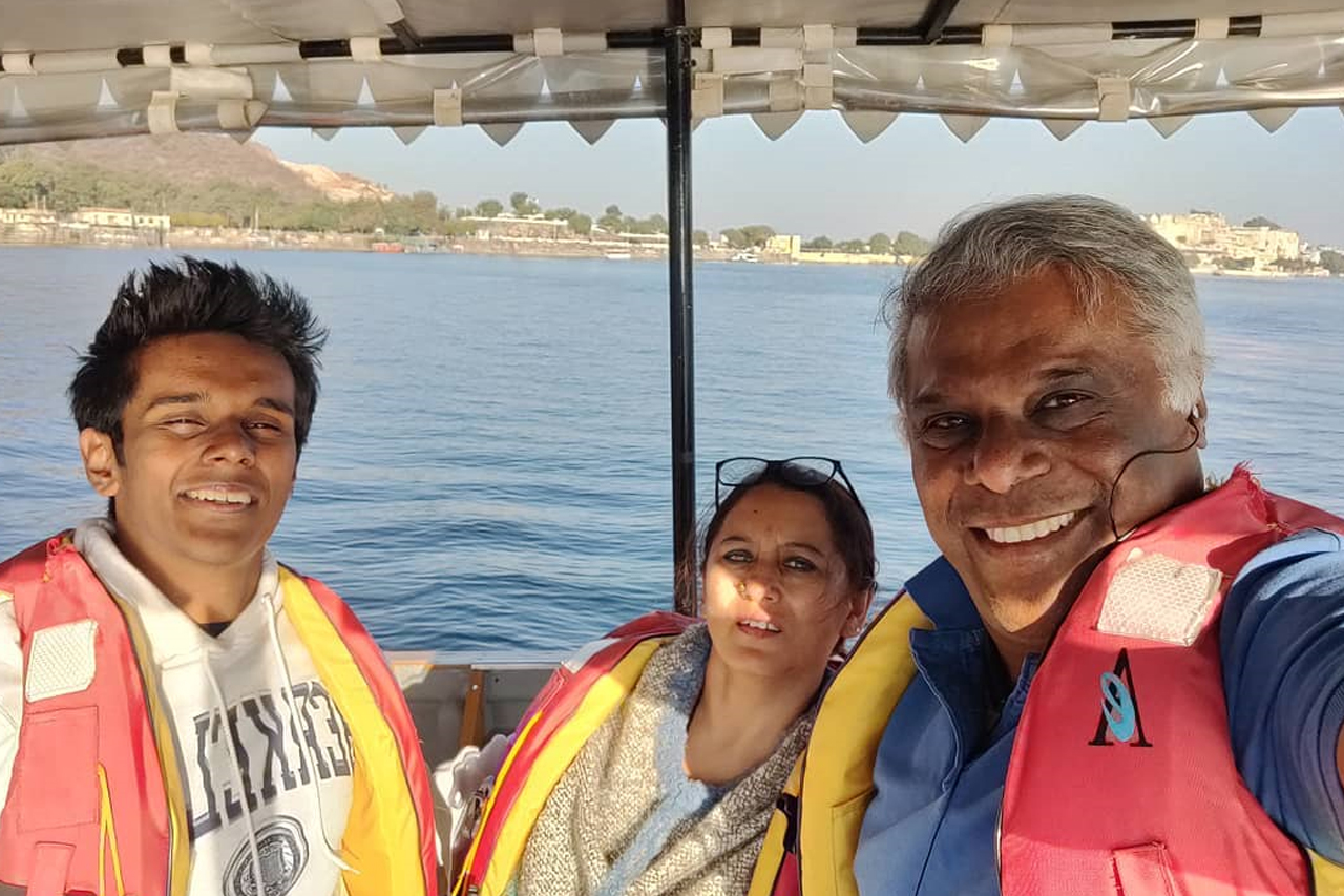 Ashish Vidyarthi and family