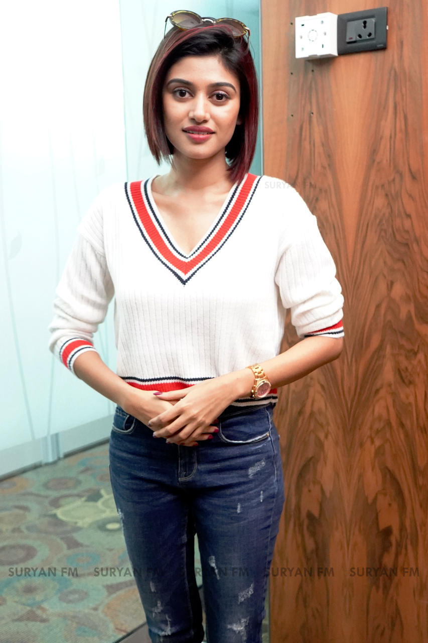 Oviya Latest Photos