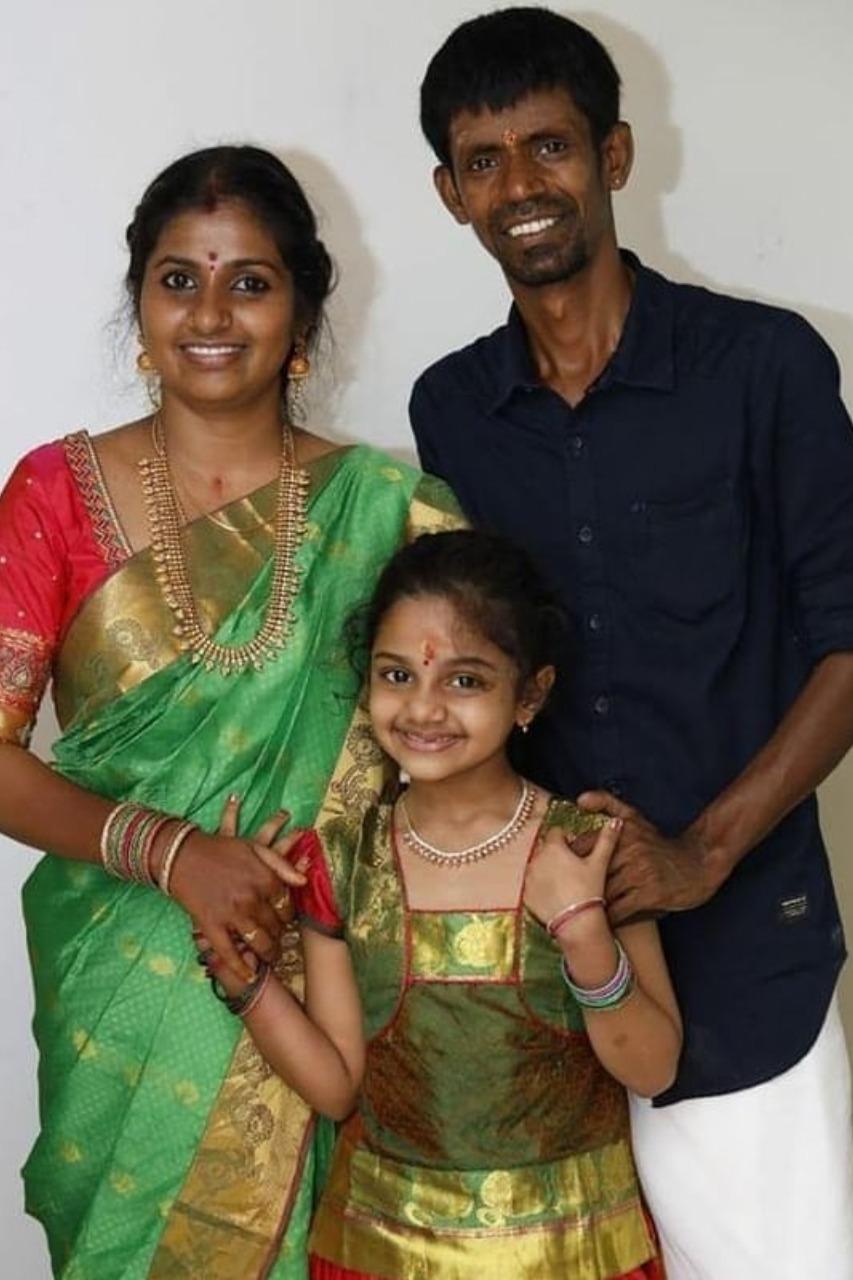 Child actress Manasvi- Photo Gallery - Suryan FM
