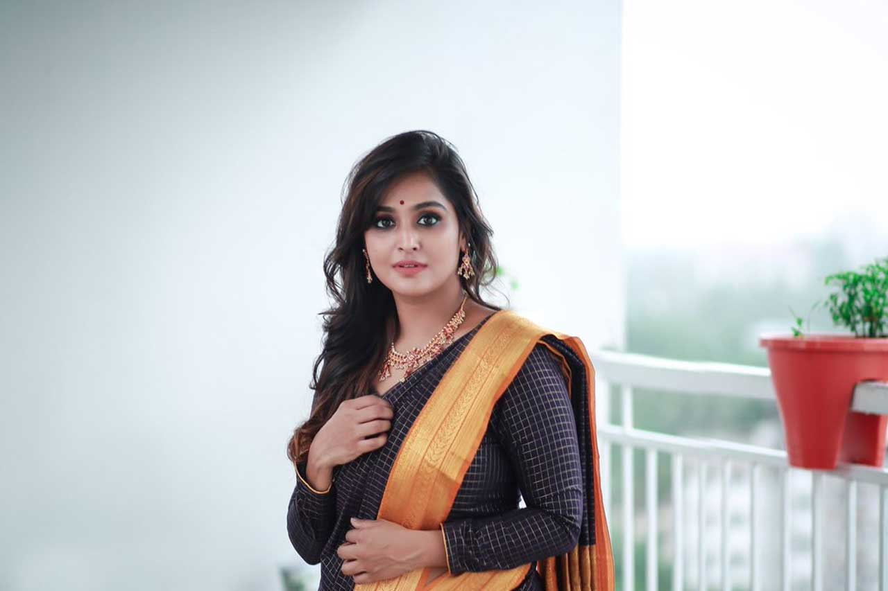ramya Nambeesan Photos