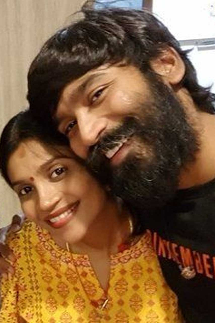 Dhanush with his sister