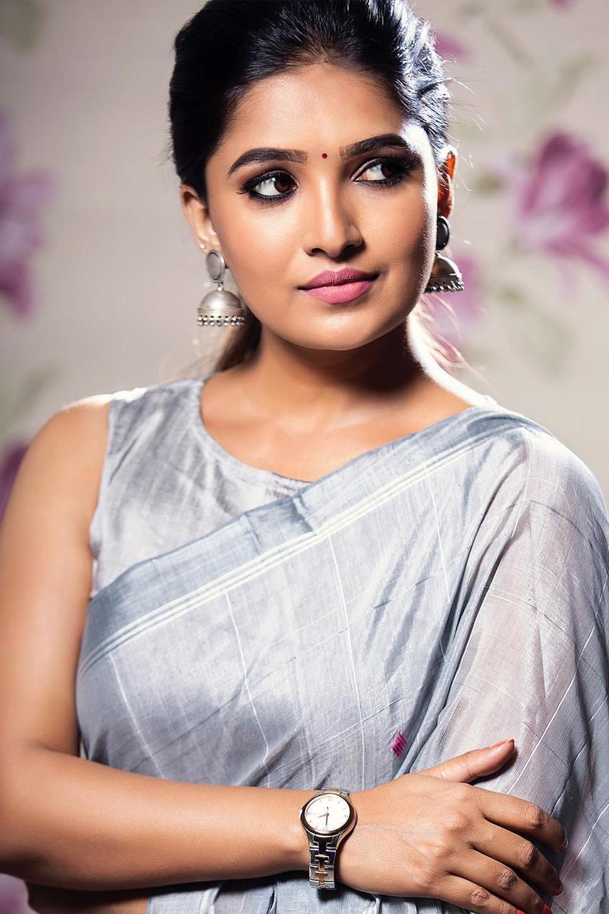 Vani Bhojan - Photo Gallery - Suryan FM