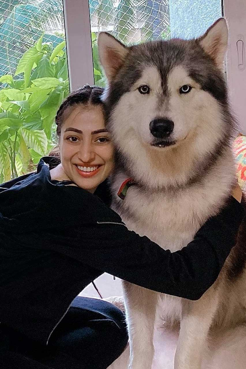 Raai Laxmi with pet